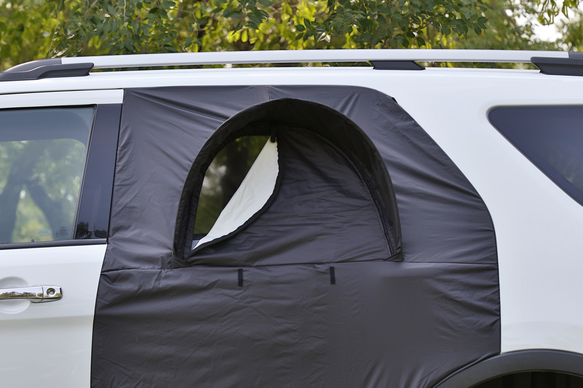roadie products outdoor gear the overnighter suv door cover. Black Bedroom Furniture Sets. Home Design Ideas